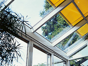 Venetian blind motors for conservatories